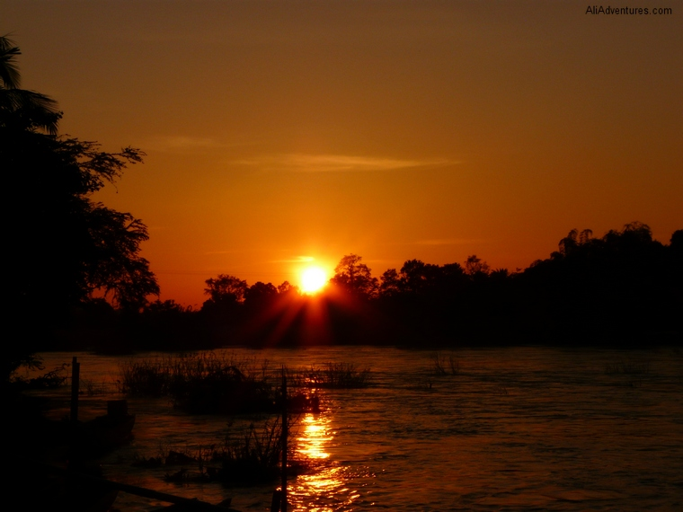 Mekong sunset 4000 Islands Laos