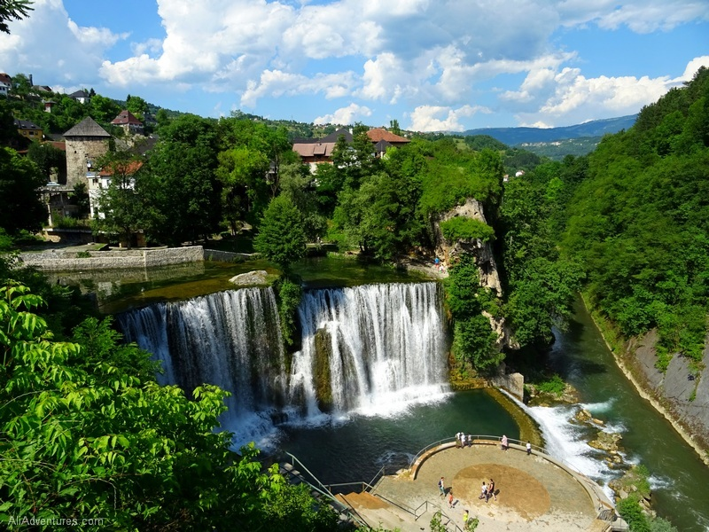 Jajce Bosnia waterfall - how much money I make online