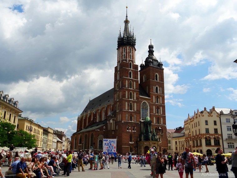 best things to do in Krakow, Poland - explore Old Town