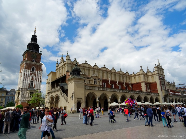 best things to do in Krakow Poland - Krakow Old Town
