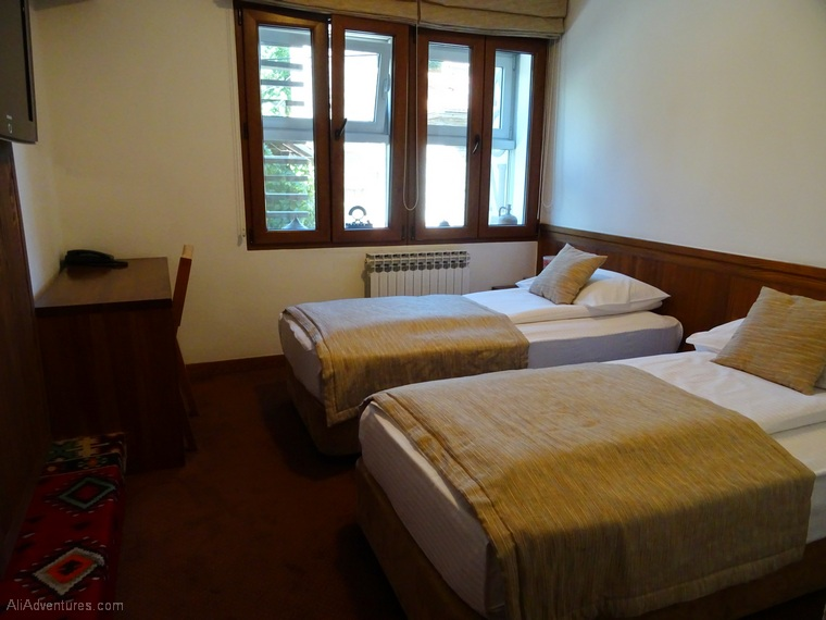 where to stay in Sarajevo - Sarajevo hotel room