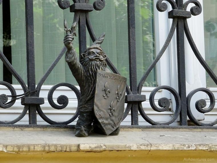 Wroclaw Poland dwarfs