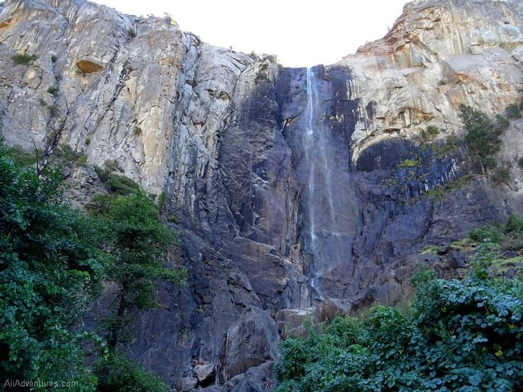 Yosemite park itinerary Bridal Veil Falls