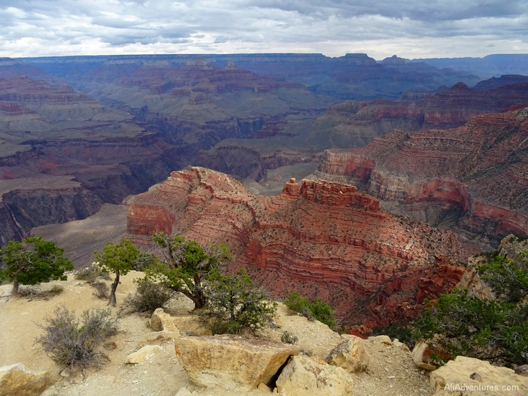 2 days in Grand Canyon rim trail views Hermits Rest