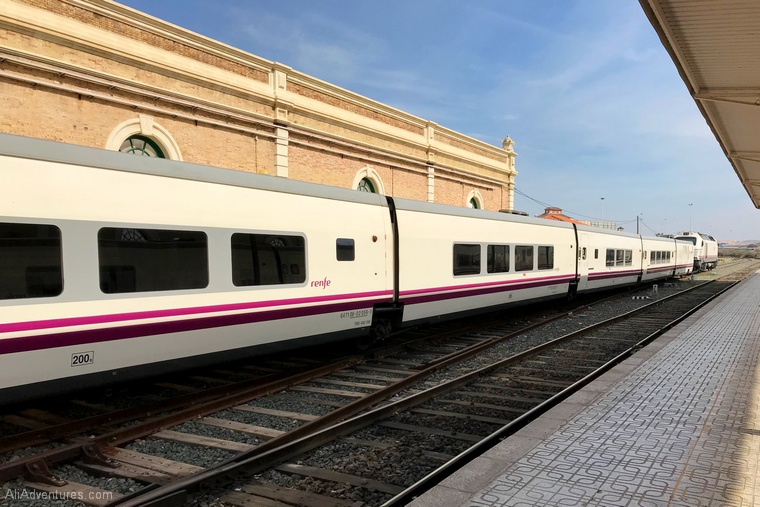 travel costs for one week in Cartagena train