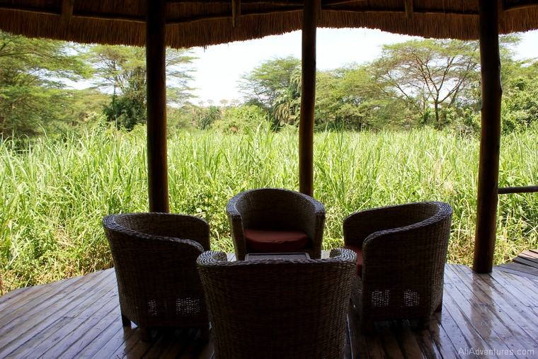 safari in Uganda where to stay in Queen Elizabeth National Park south porch