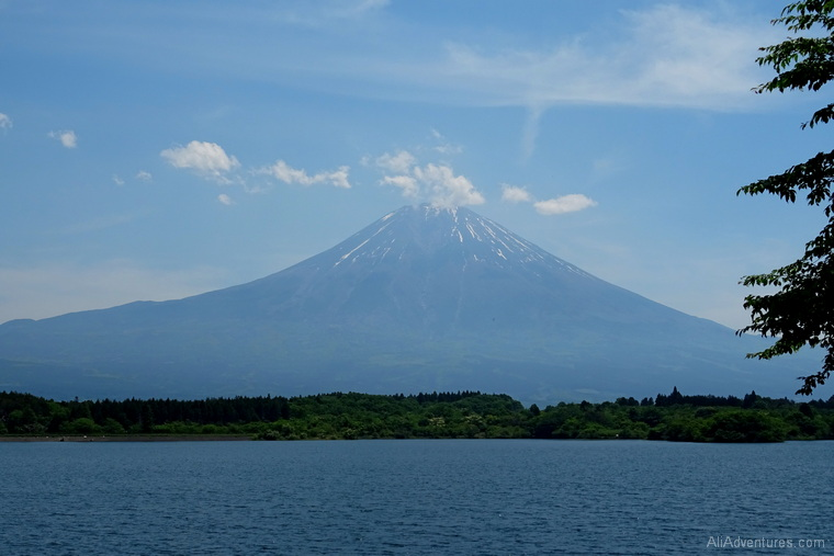 how much does it cost to visit Japan Mt Fuji